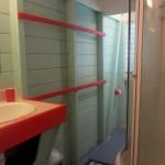Salle de bain pour les 2 chambres de l'aile droite (voir plan).