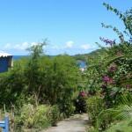 Avant d'en faire le tour, un petit coup d'oeil en arrière pour profiter du paysage : il fait plein bleu aujourd'hui !